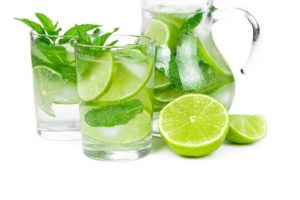 shutterstock_196035770-Clear-Out-Toxins-with-Lime-Juice